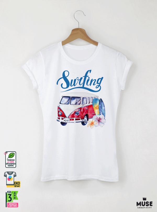 Surf Bus Red Дамска Бяла Тениска с Дизайнерски Принт