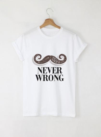 Never Wrong мъжка бяла тениска с дизайнерски принт