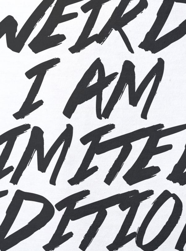 I am limited edition дамска бяла тениска с дизайнерски принт