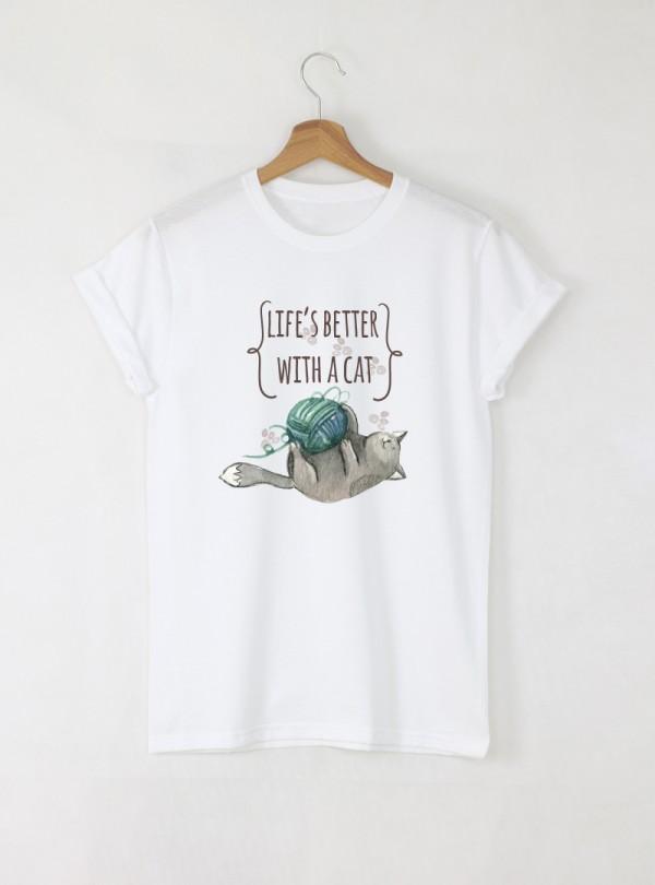 Better With a Cat Дамска бяла тениска с дизайнерски принт