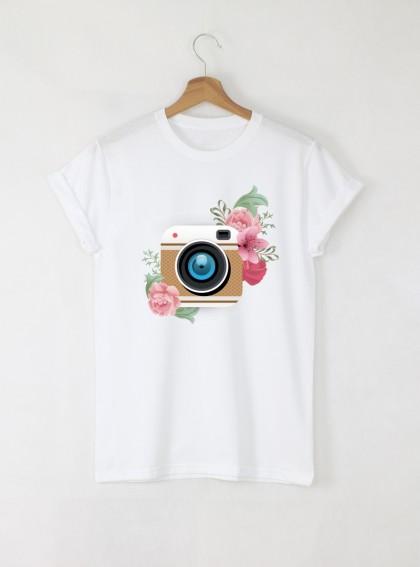 Camera Flowers Дамска бяла тениска с дизайнерски принт